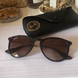 Ray-Ban Erika sunglasses!